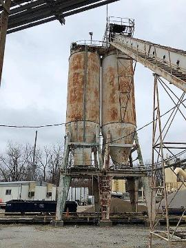 (2) Stationary 150ton CMI HEATED Silo (1 of 6)